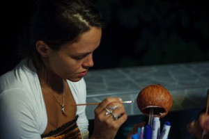 Anya Painting Chewie (Вечер рукоделия.)