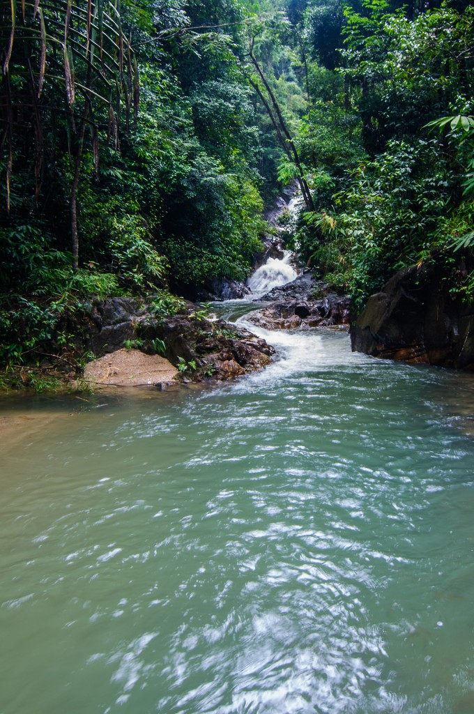 Tonpariwat Waterfall In Krabi (Водопад Tonpariwat.)