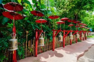 Wat Phan Tao Umbrellas (Wat Phan Tao, Чианг Май, Таиланд.)