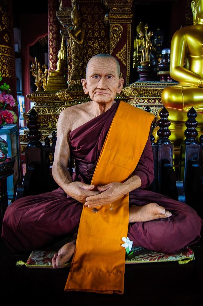 Wat Prasingh Wax Monk (Wat Prasingh, Чианг Май, Таиланд.)
