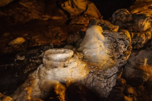 Tham Lod Cave Stalagmites (Система пещер Tham Lod. Окрестности Пая, Таиланд.)