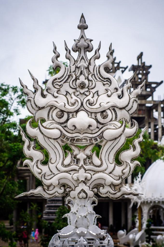 Демон. (Белый храм или Wat Rong Khun. Чианг Рай, Таиланд.)