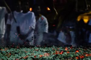 Phuket Vegeterian Festival Report Fire Walking Charcoal (Ритуал очищения огнём.)