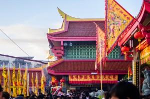 Phuket Vegeterian Festival Report Jui Tui Shrine (Утреннее шествие. Вегетарианский фестиваль на Пхукете 2013.)