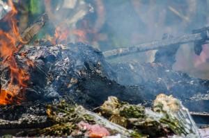 Burning Body (Wat That Foon и ритуальная кремация усопшего.)