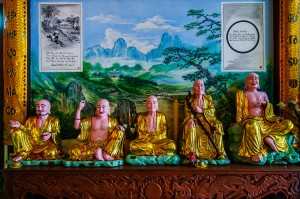 Chinese Idols At Phat Tich Temple (Храм Phat Tich, Вьентьян, Лаос.)