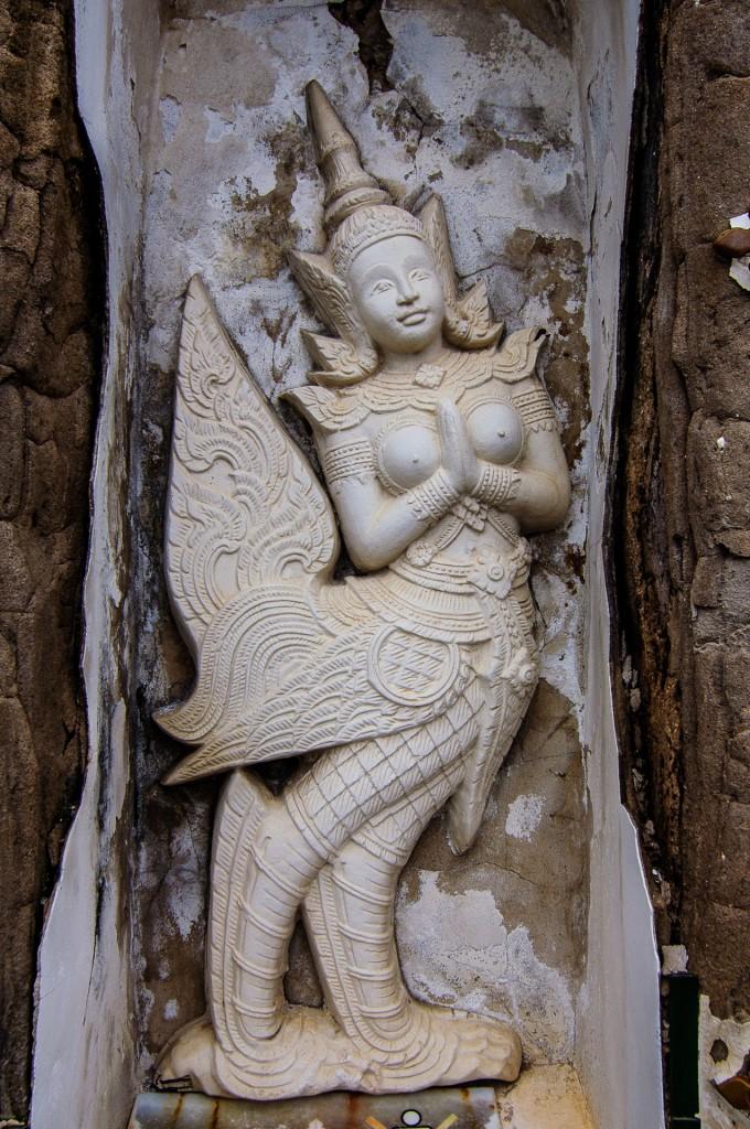 Kinnari In Wat Arun (Wat Arun или Храм утренней зари.)