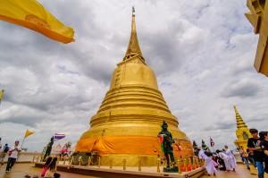 Ступа храма Wat Saket.