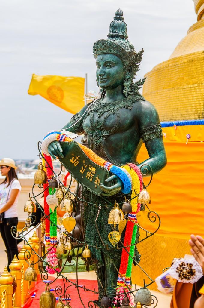 Some Kind Of God (Золотая гора или Phukhao Thong, Бангкок.)