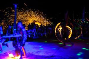 Phi Phi Fire Show Long Exposue Trails 16 (Вечернее фаер-шоу на острове Пи-Пи Дон.)