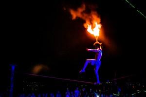 Phi Phi Fire Show On Rope With Fire (Вечернее фаер-шоу на острове Пи-Пи Дон.)