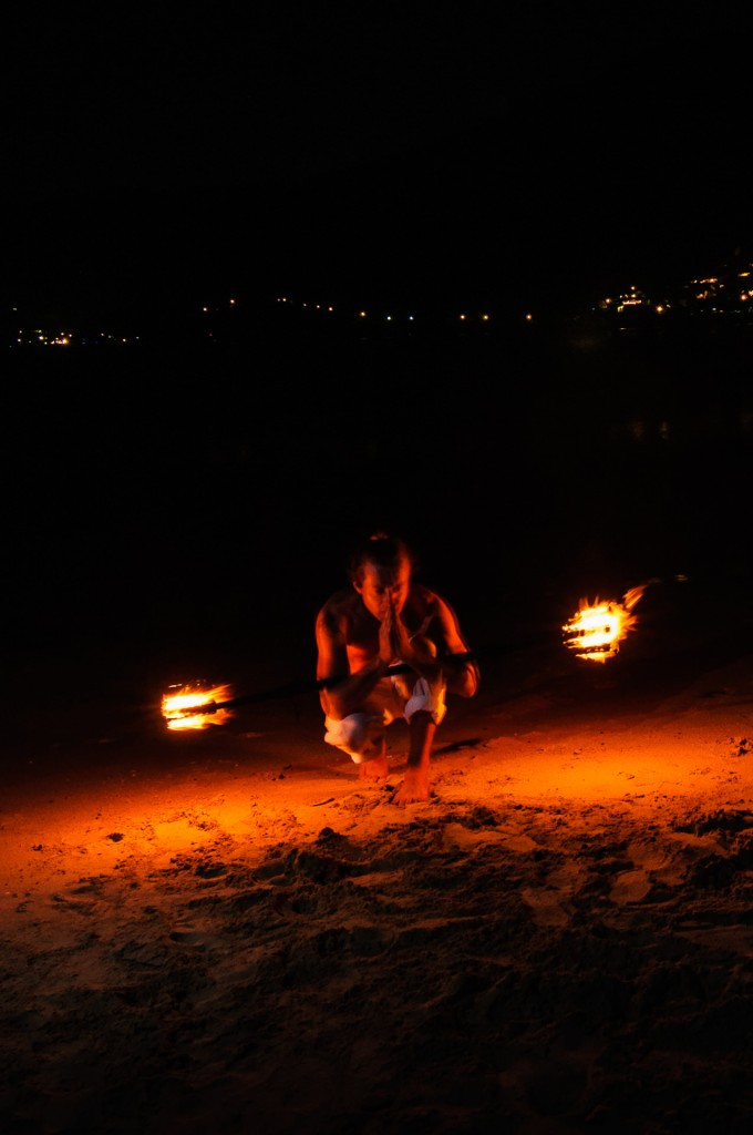 Roman Kit And Fire Staff On The Beach 09 (Роман Кит и огонь на пляже.)