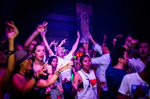 Hed Kandi residents DJ Stu Ojelay & Gilo on percussion @ Seduction Beach Club & Disco, Patong, Phuket / 21.03.2014 (Hed Kandi @ Seduction Beach Club)