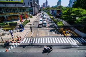 Roads Of Bangkok 01 (Парк Benjakiti и улицы Бангкока.)