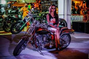 Таечка на Харлее. Phuket Bike Week 2014. (Байк-фестиваль — Phuket bike week 2014.)