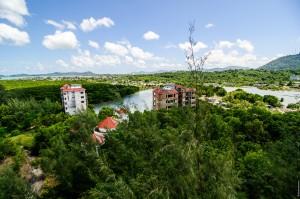 Вид с крыши. (Phuket Marina — заброшенный отель на Пхукете.)