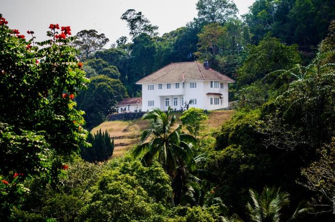 Шикарный вид на Пенанг должен открываться из окон этого домика почти на самой вершине Penang Hill.