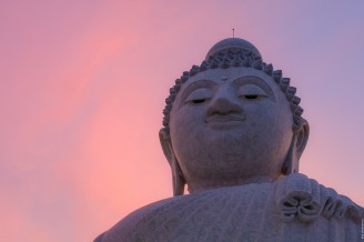 Большой Будда на закате.