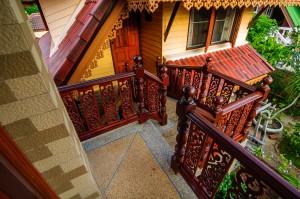 Our House In Thailand Ladder Between (Дом в котором я живу.)