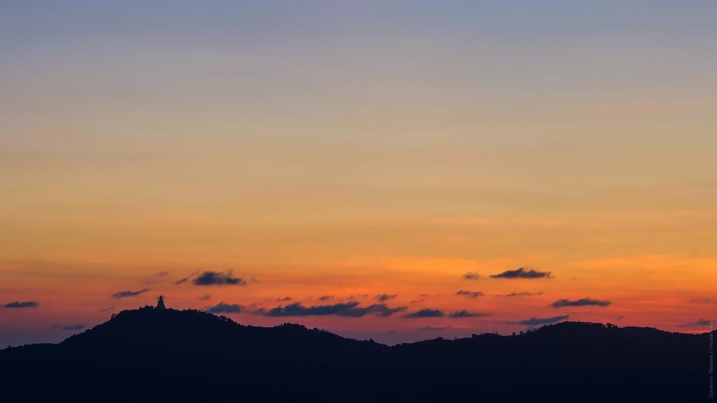 Закат над большим Буддой.