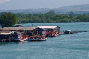 (Как мы съездили в Као Лак или пост про мост Сарасин.)