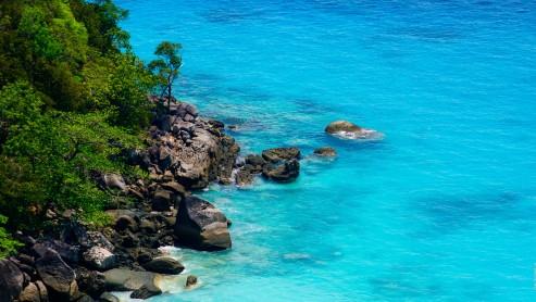 Симиланские острова – лазурная вода и скалы.