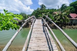Бамбуковый мостик через речушку (Остров Ко Яо Ной)