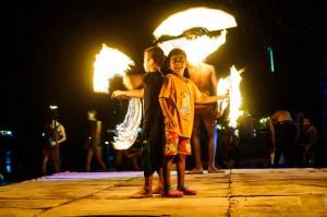 Молодые укротители огня (Поездка на Пхи-Пхи Дон.)