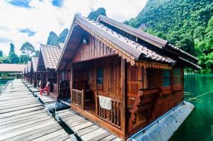Ряд домиков подороже (Озеро Чео Лан и рафт-хаус Сай Чол.)