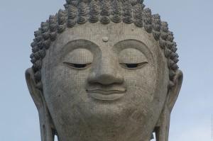 Портрет Большого Будды на Пхукете. (Солнечное затмение, 9 марта 2016.)